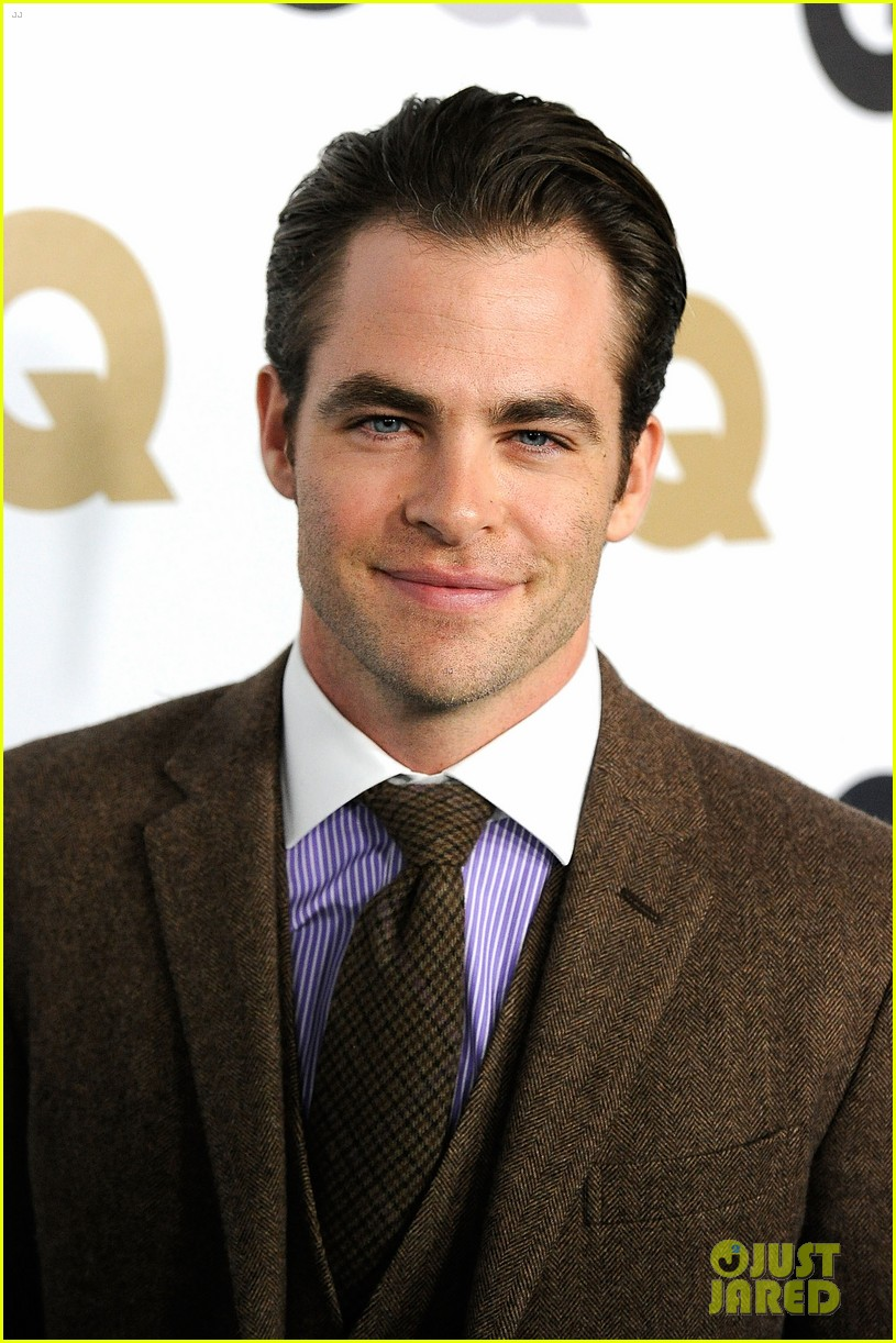 chris pine gq men of the year party with zachary quinto 042601615
