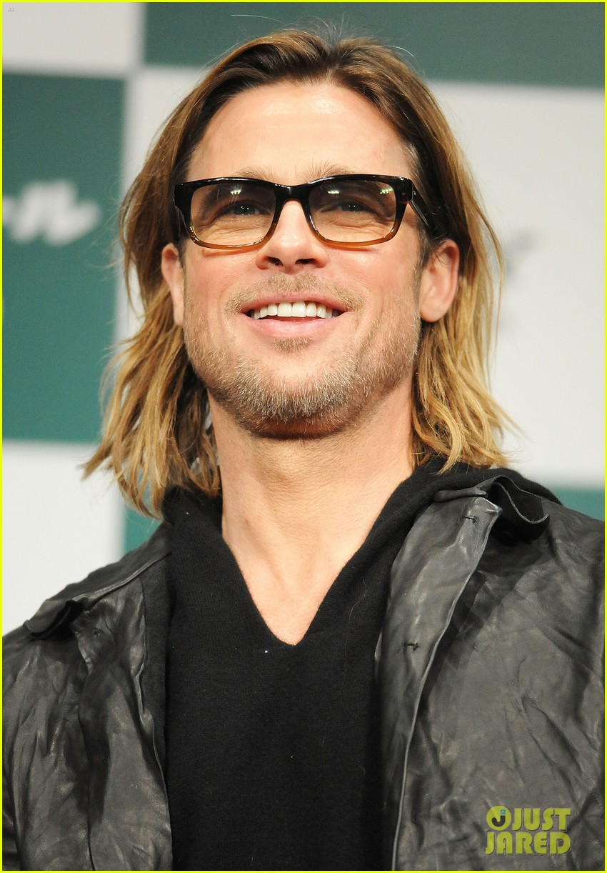 brad pitt moneyball press conference tokyo 02