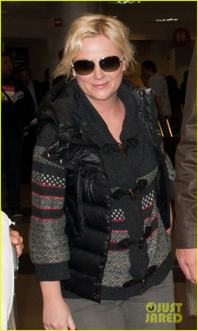 amy poehler will arnett airport 05