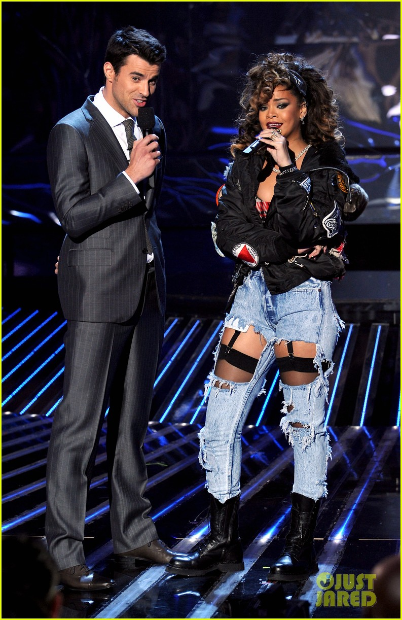 rihanna x factor usa 052601664