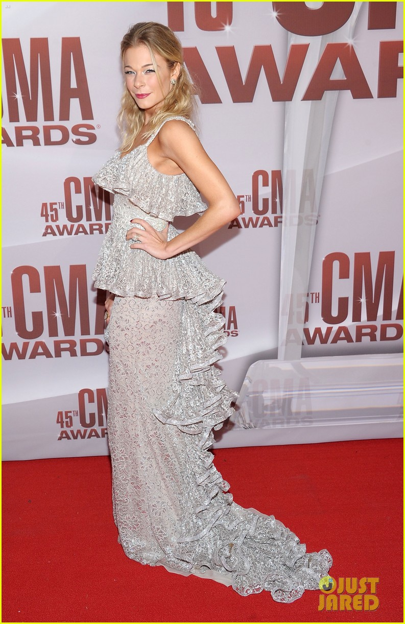 leann rimes cma awards 2011 03