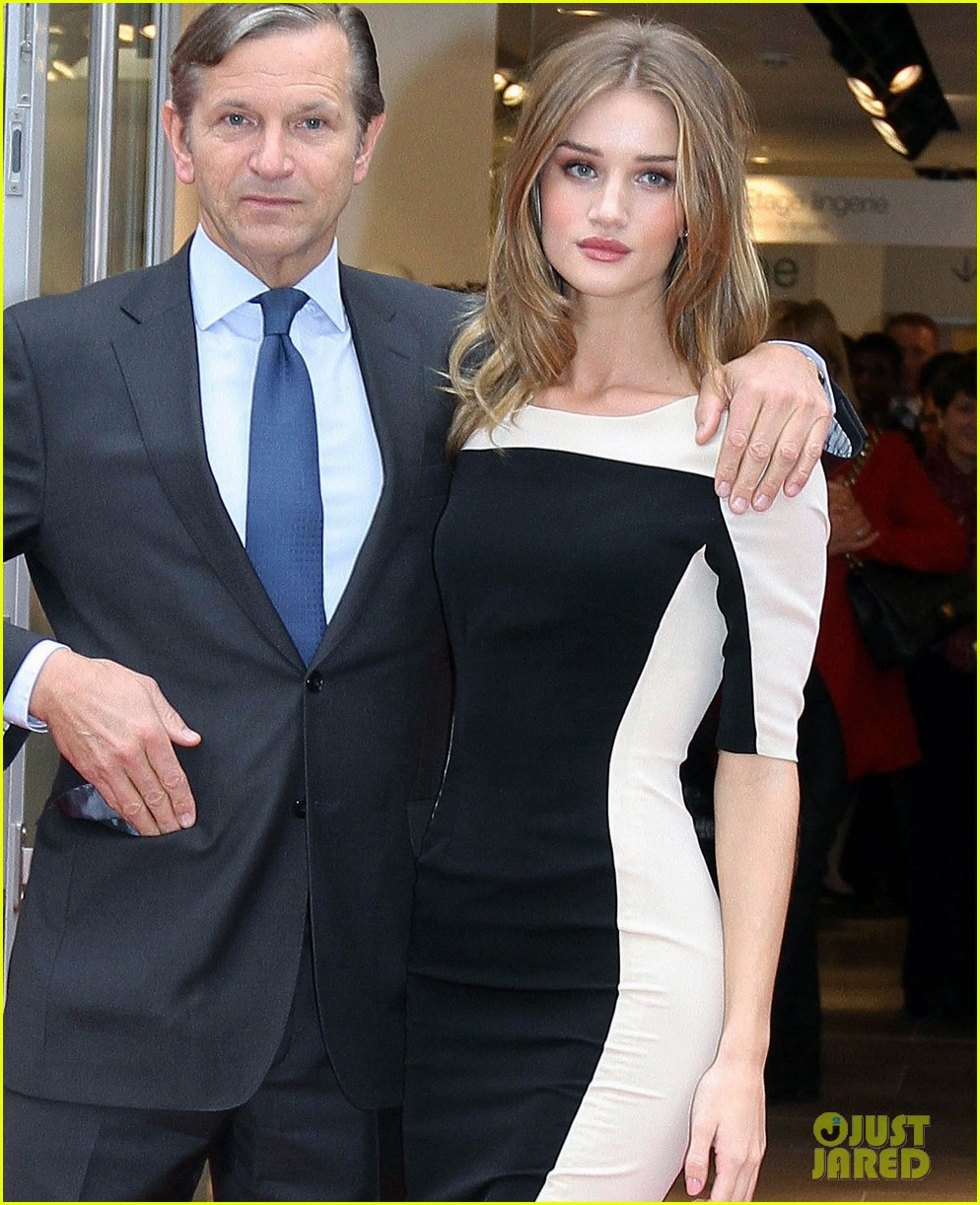 rosie huntington whitley marks spencer 062603789