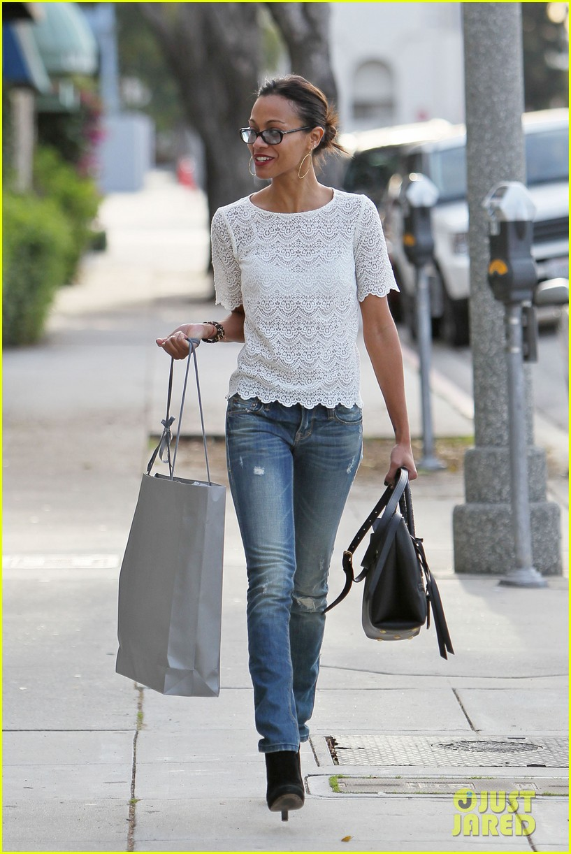 zoe saldana office purse 12