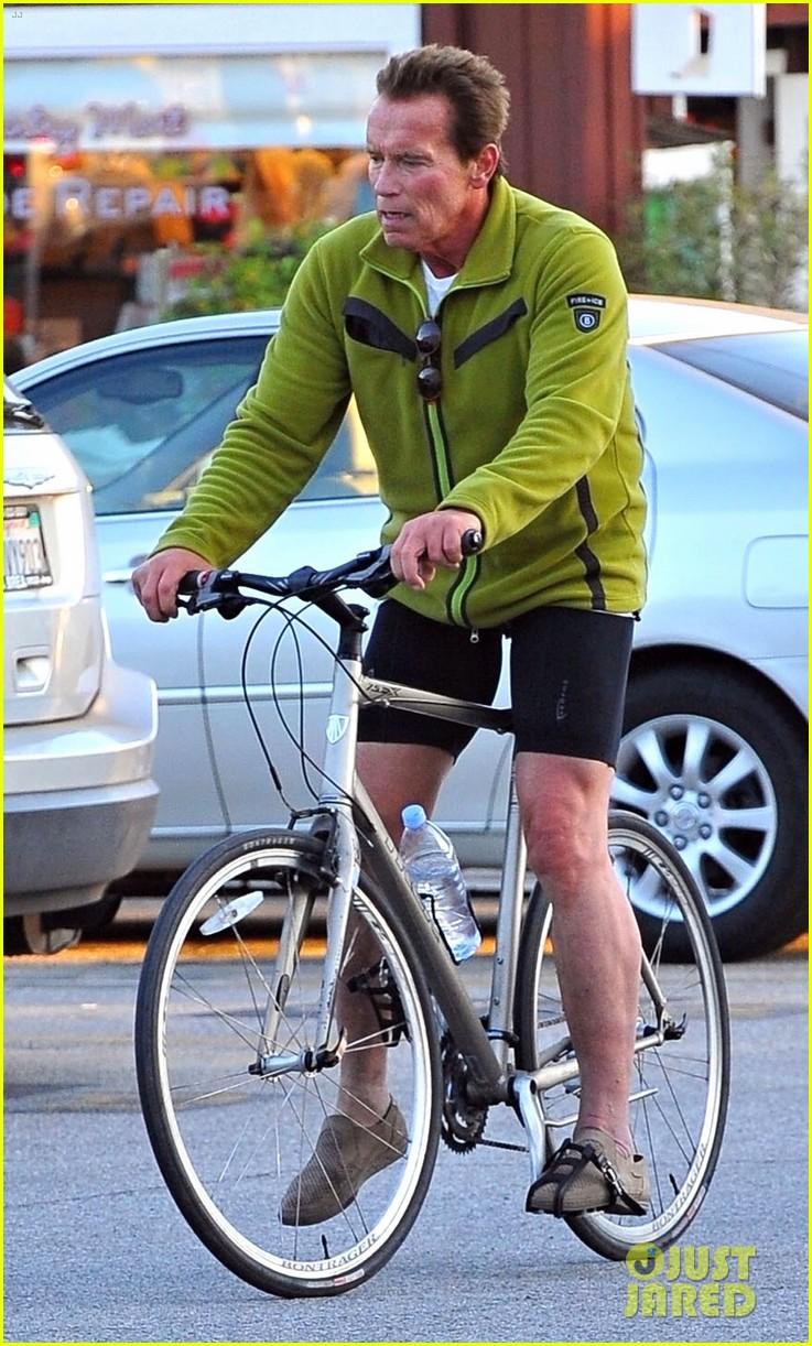 patrick arnold schwarzenegger sunday bike riders 052604533