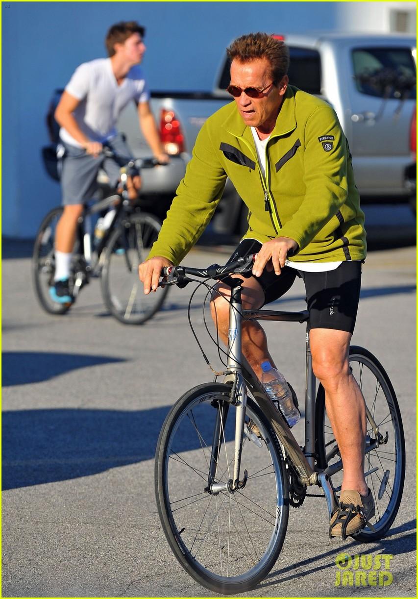 patrick arnold schwarzenegger sunday bike riders 092604537