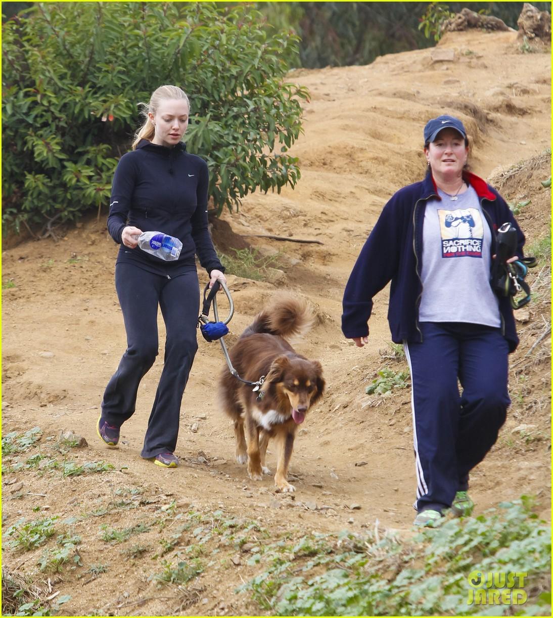 amanda seyfried hike finn 102603900
