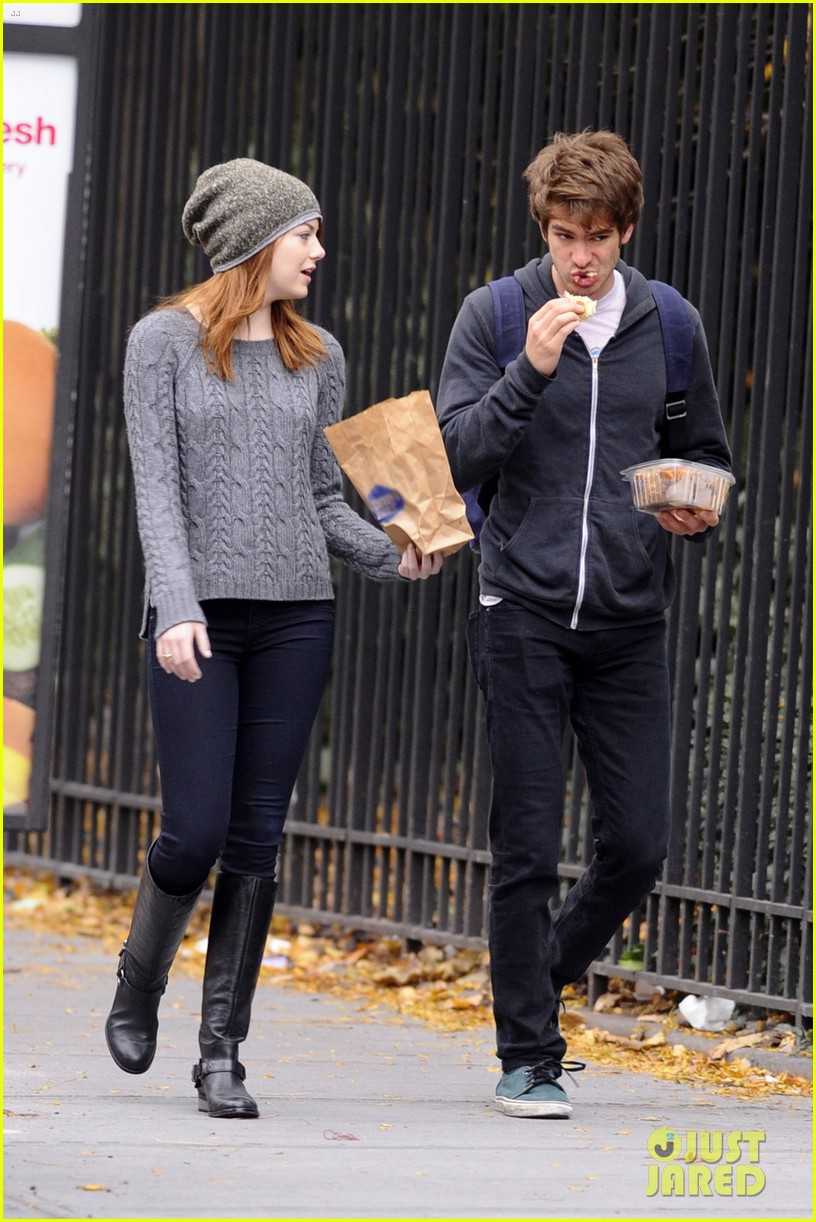 emma stone andrew garfield new york stroll 03