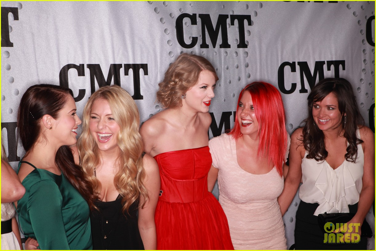 taylor swift cmt artists year 12