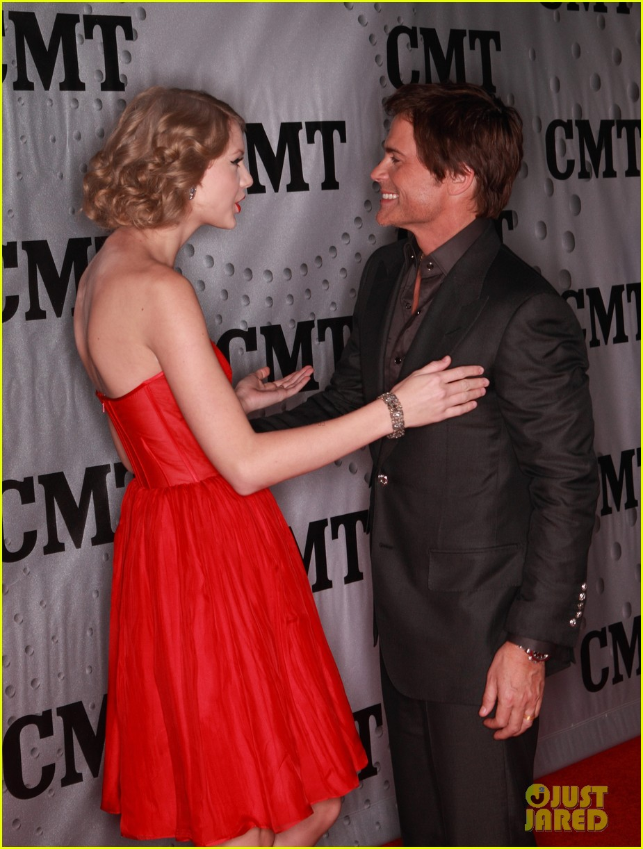 taylor swift cmt artists year 15