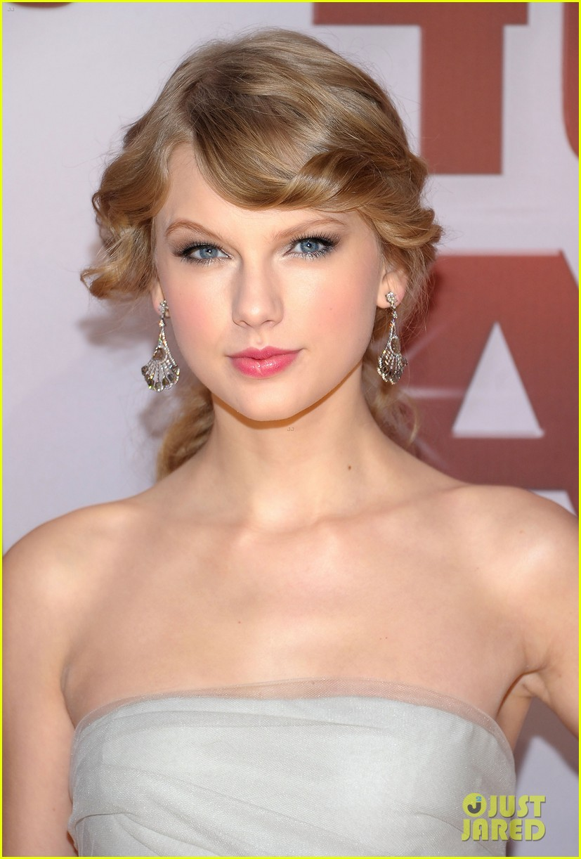 taylor swift cma awards 2011 022598619