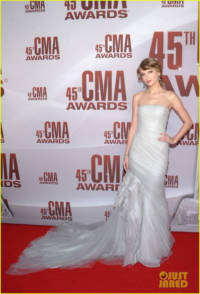 taylor swift cma awards 2011 042598621