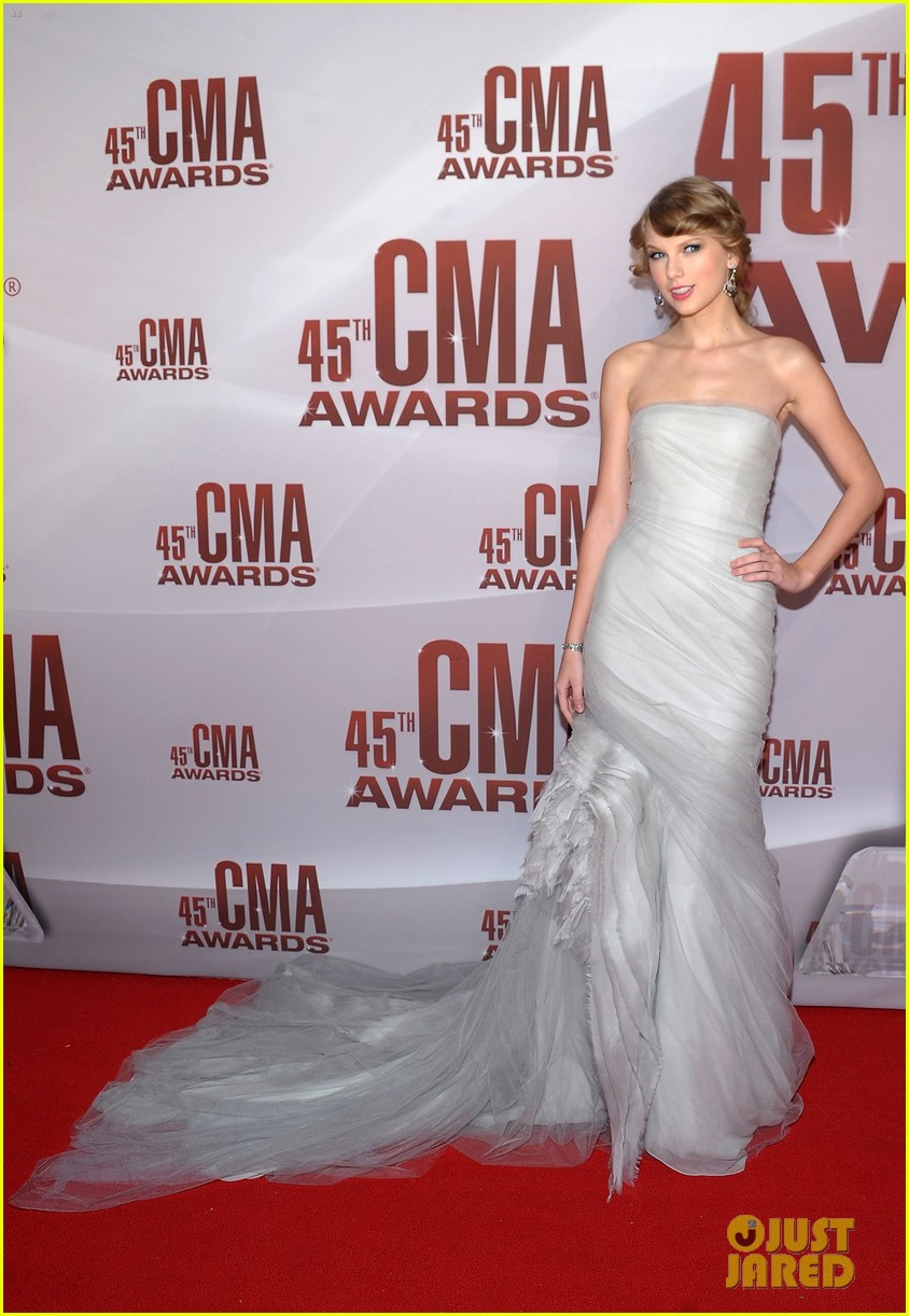 taylor swift cma awards 2011 092598626