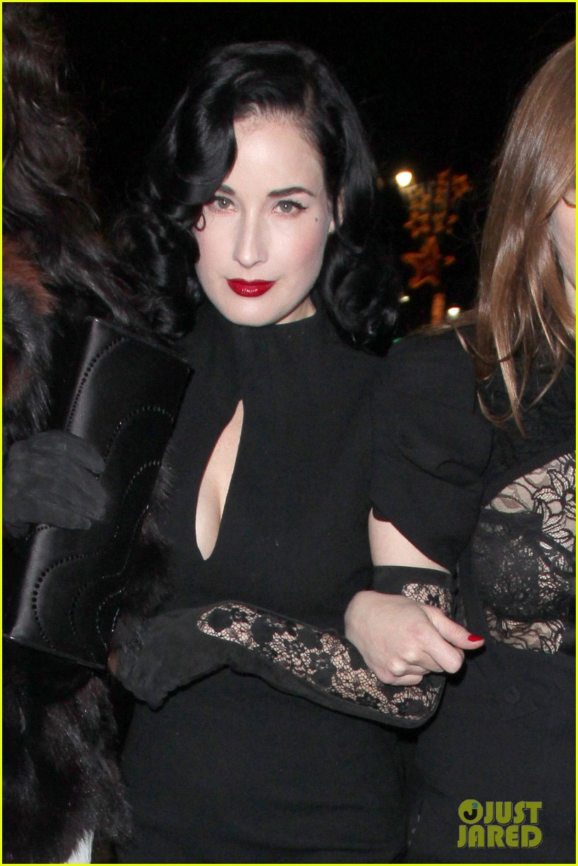 dita von teese the cure live 022602993