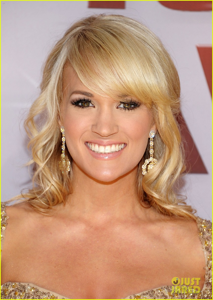 carrie underwood cma awards 2011 022598581