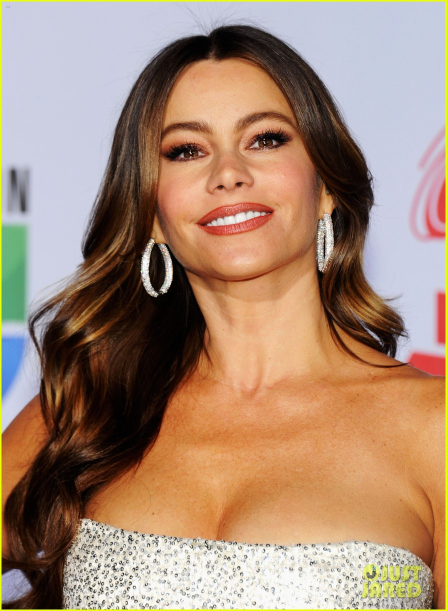 sofia vergara music awards 06