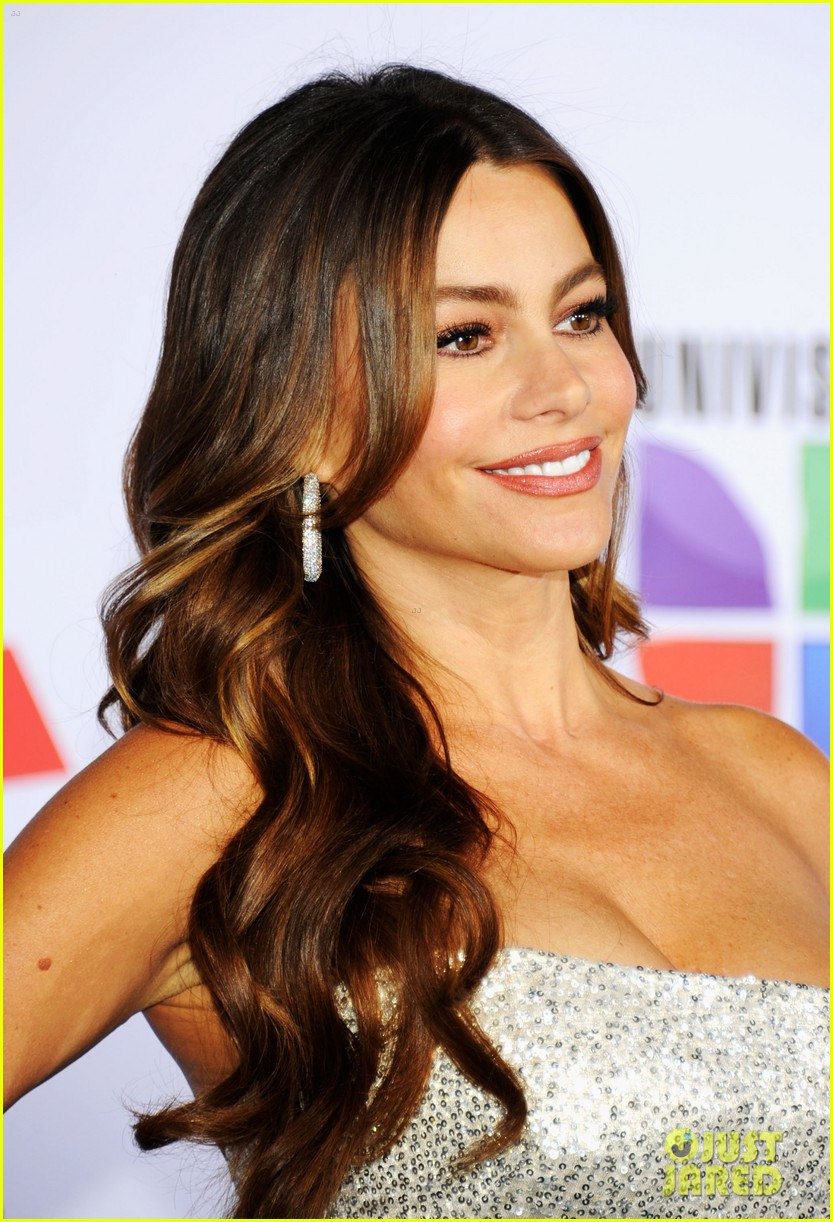 sofia vergara music awards 08
