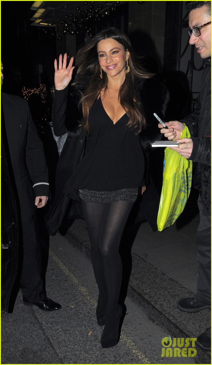 sofia vergara thanksgiving london 03