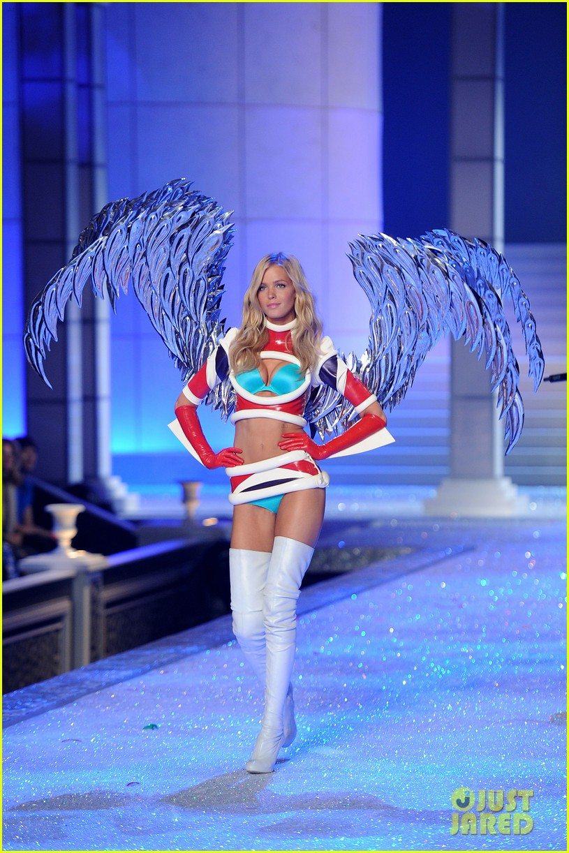 erin heatherton lily aldridge chanel iman victorias secret fashion show 122598748