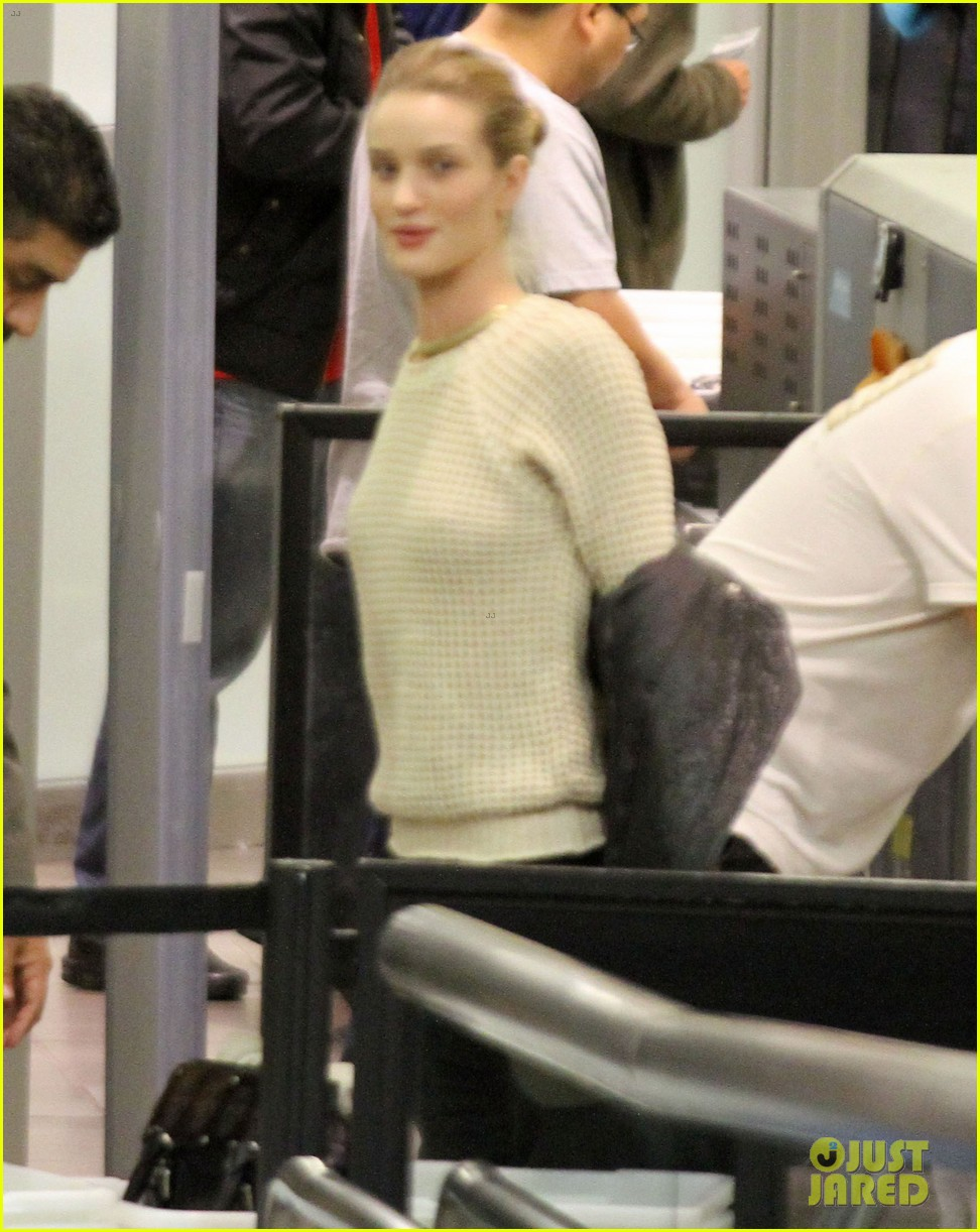 rosie huntington whiteley lax departure 092597864