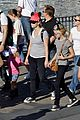 reese witherspoon disneyland with the family 02