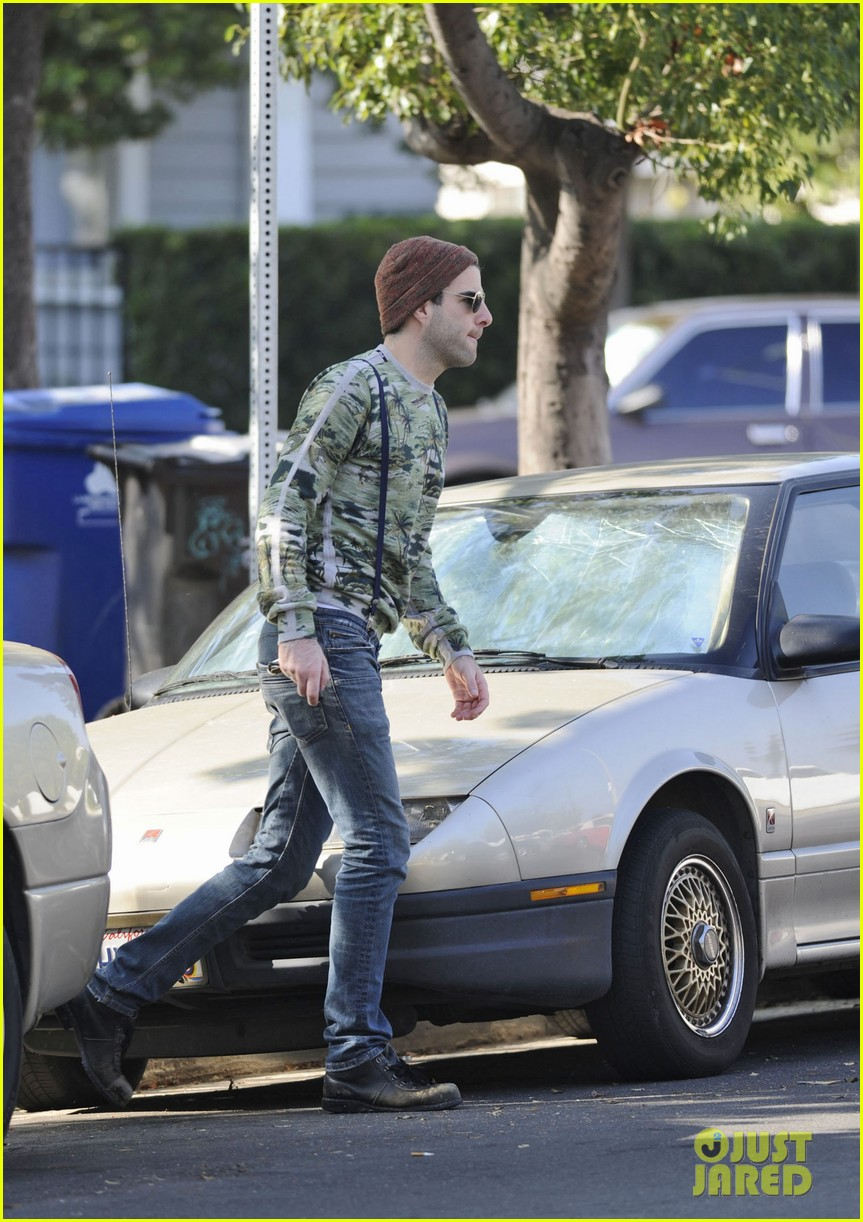 zachary quinto car los angeles 032601387