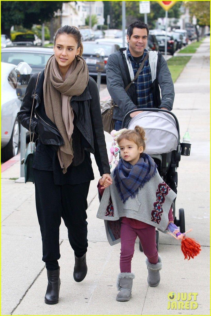 jessica alba honor is the best big sister 162610766