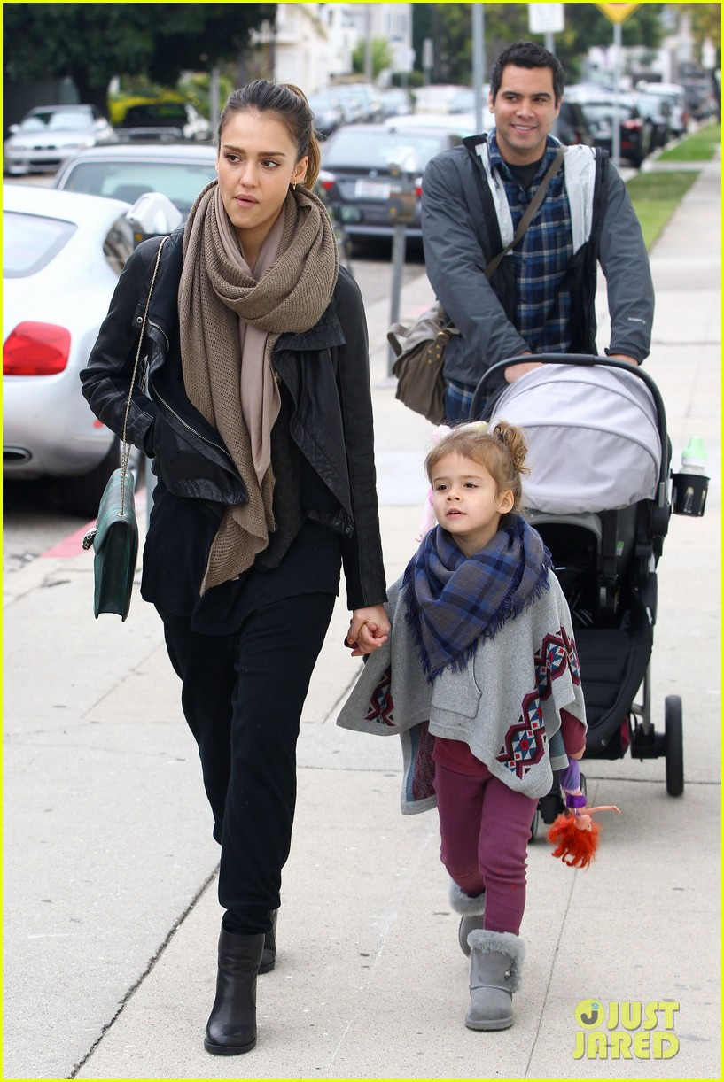 jessica alba honor is the best big sister 182610768