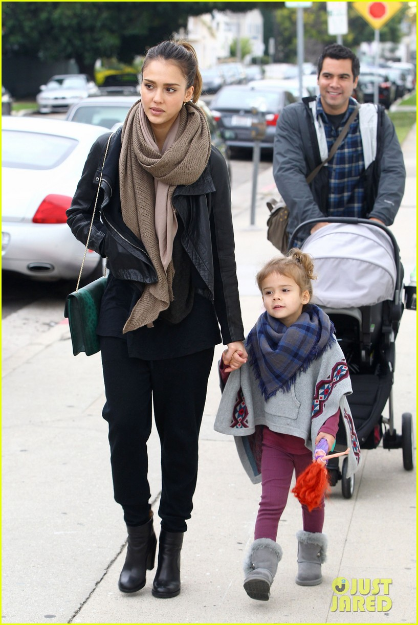 jessica alba honor is the best big sister 192610769