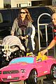 jessica alba toys r us stop with baby haven 06