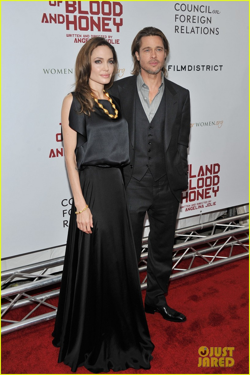 angelina jolie brad pitt blood honey premiere 012606890