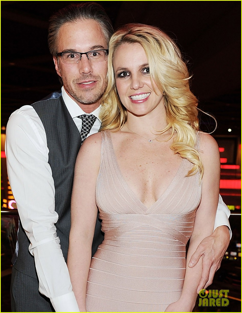 britney spears engagement ring 032610599