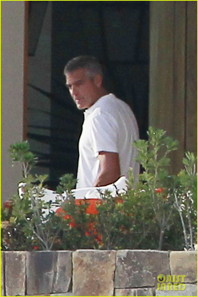 george clooney cabo stacy keibler 022613136