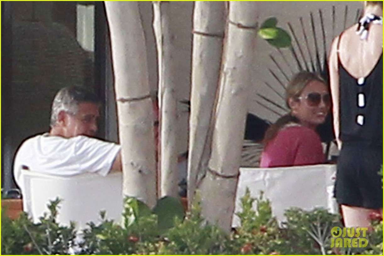 george clooney cabo stacy keibler 052613139