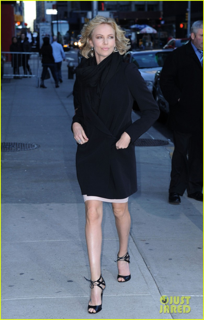 charlize theron letterman 012608009