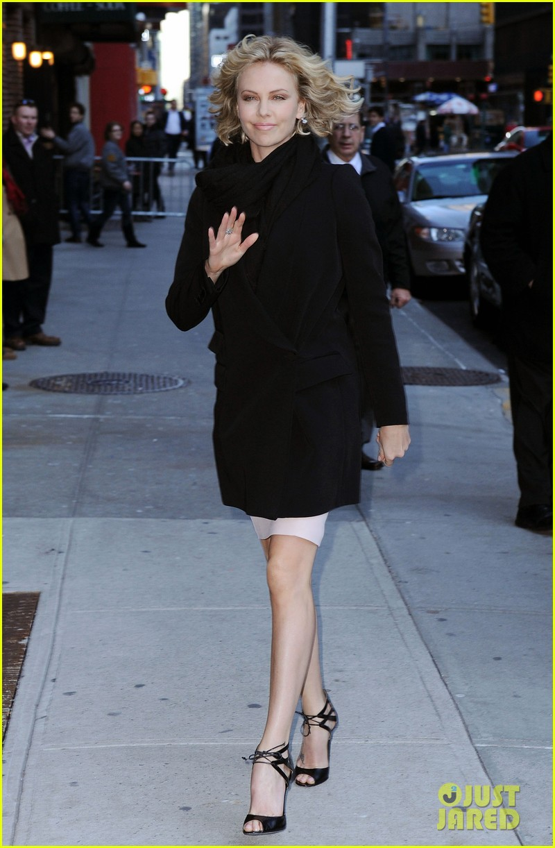 charlize theron letterman 102608018