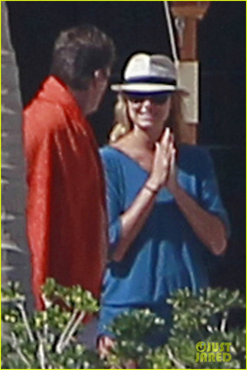 george clooney stacy keibler mexico 012613682