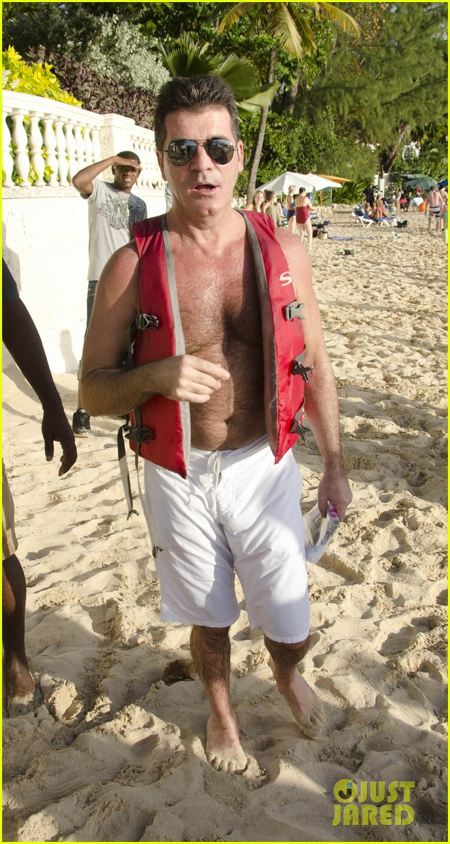 simon cowell shirtless barbados 082613559