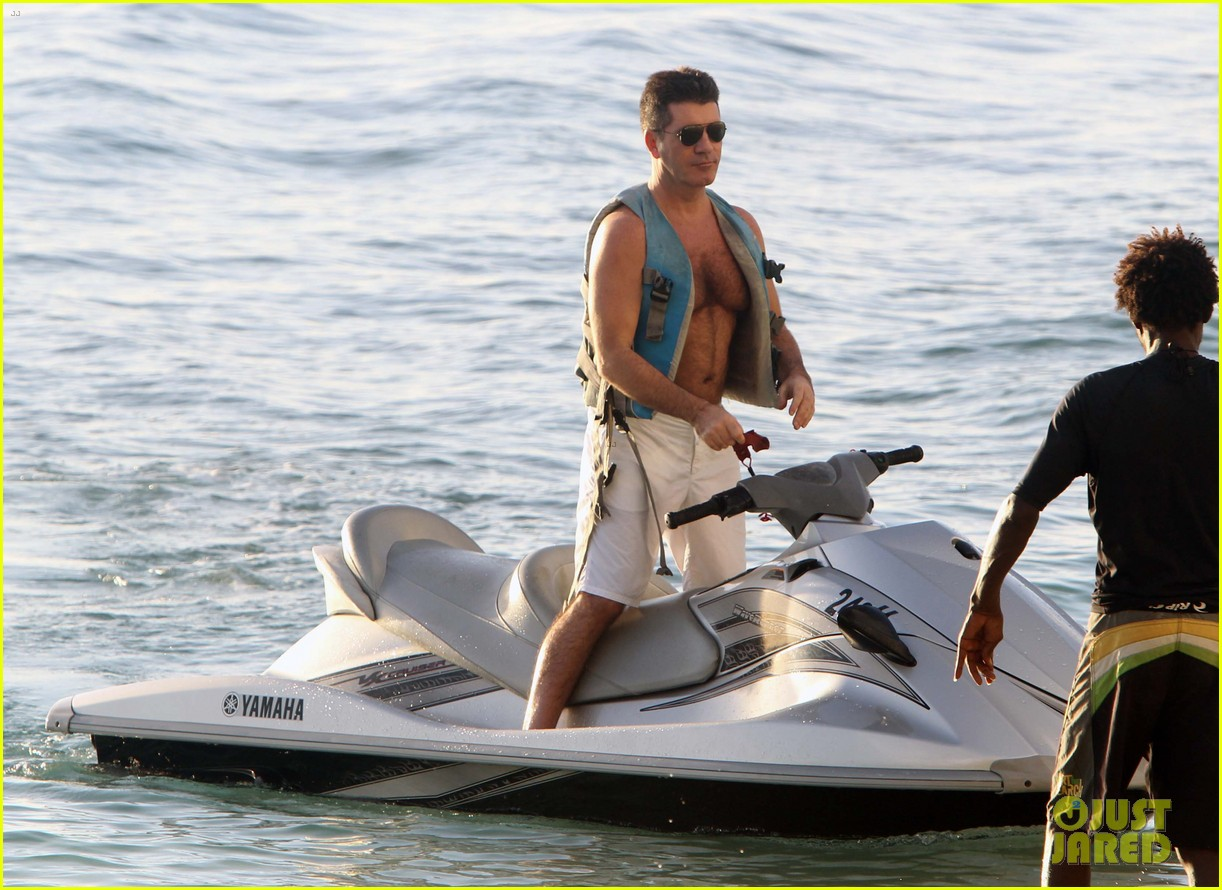 simon cowell shirtless jet ski 11
