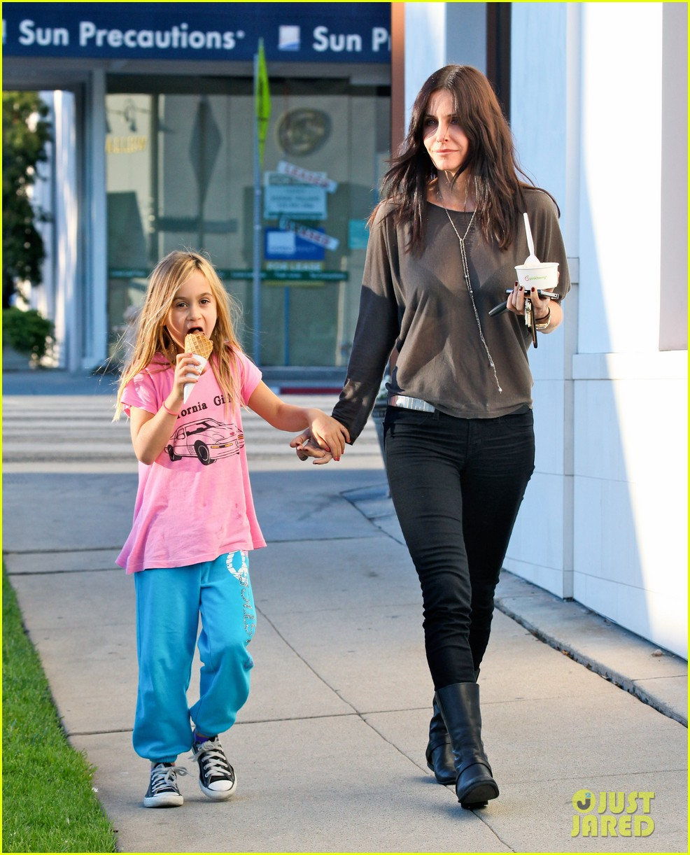 courteney cox coco pinkberry 012607928