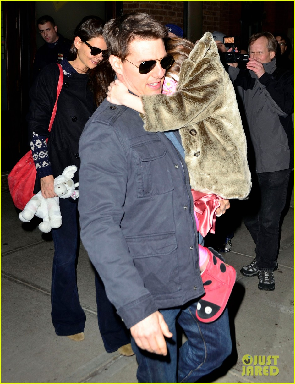 tom cruise katie holmes christmas spectacular with suri 022610859