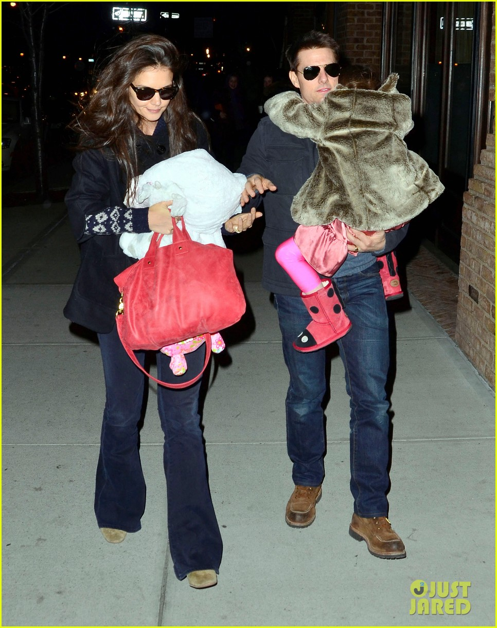 tom cruise katie holmes christmas spectacular with suri 052610862
