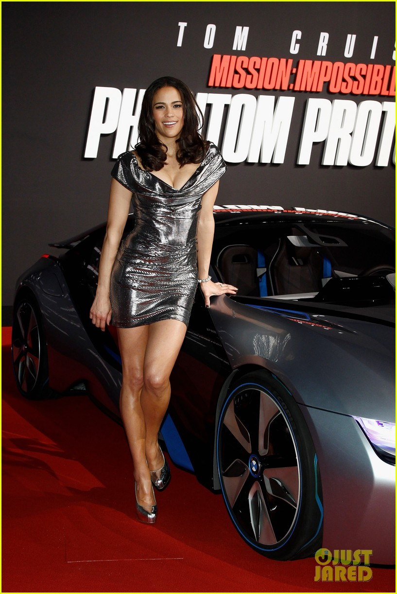 tom cruise paula patton ghost protocol munich 01