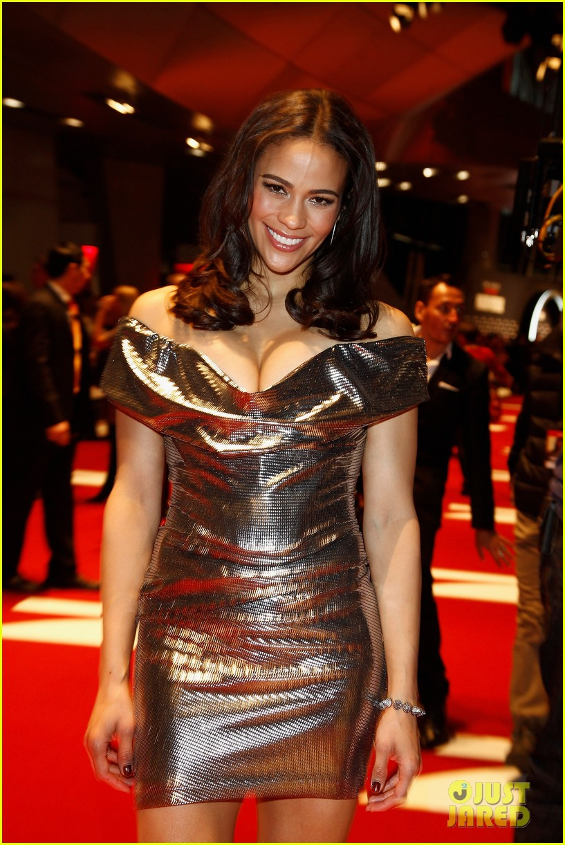 tom cruise paula patton ghost protocol munich 04