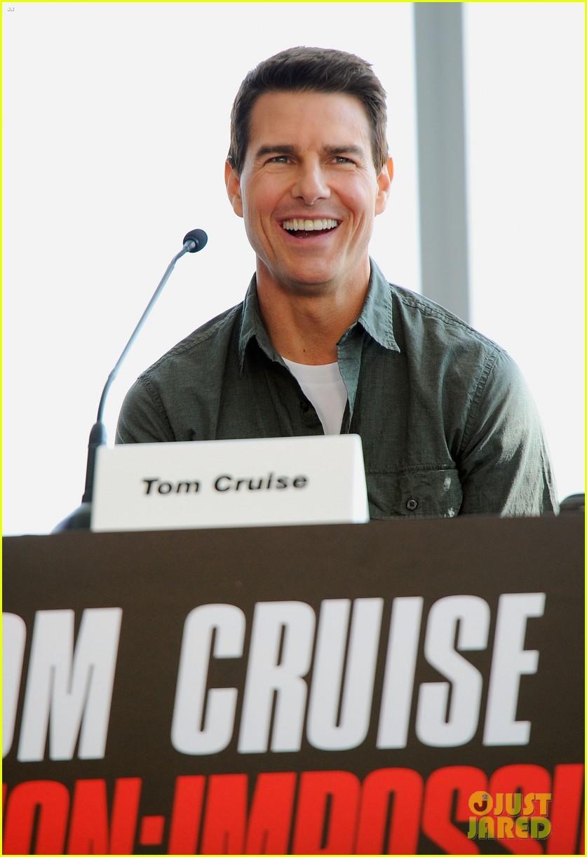 tom cruise ghost protocol press conference in dubai 022607438