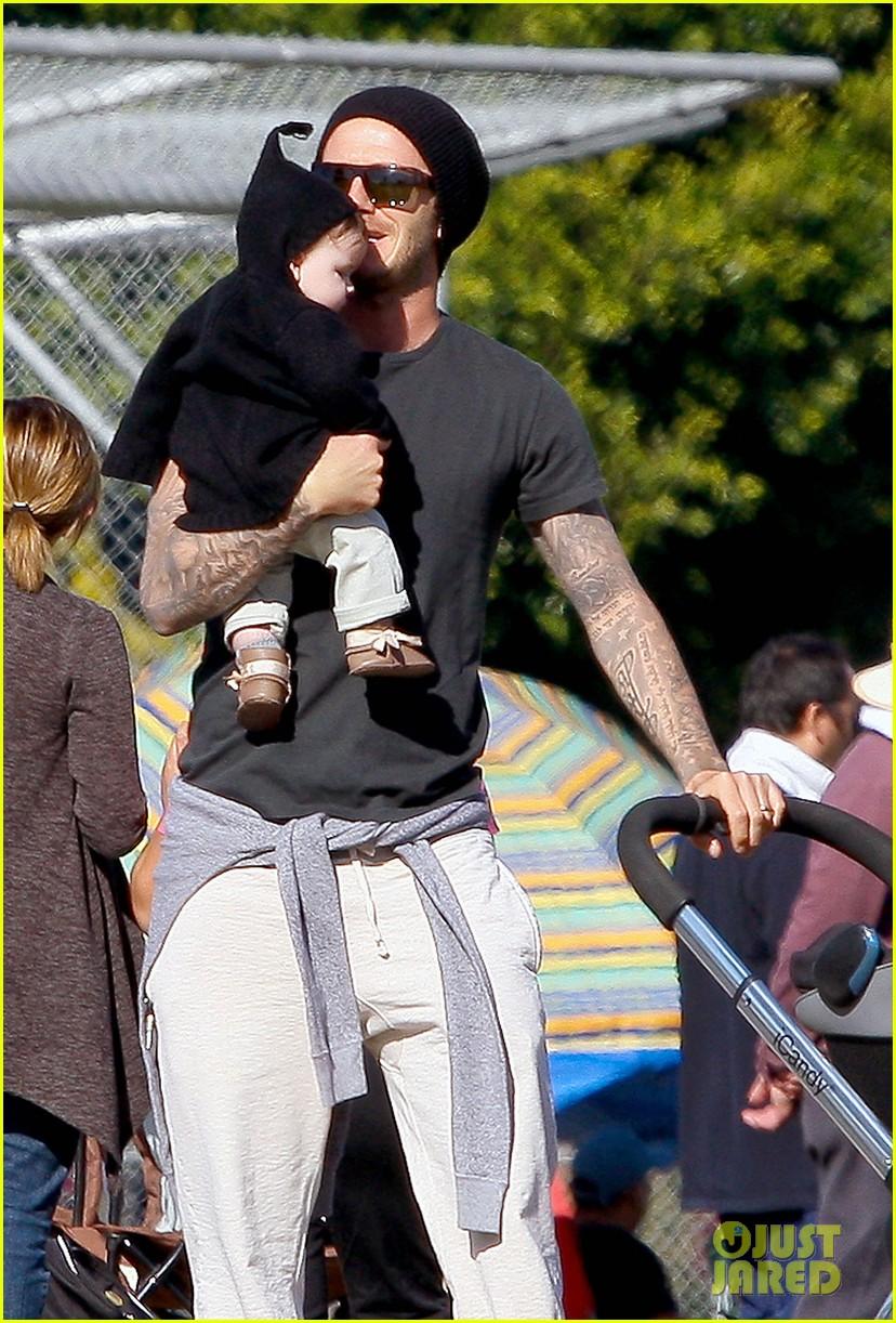 david beckham baby harper out stroller 01