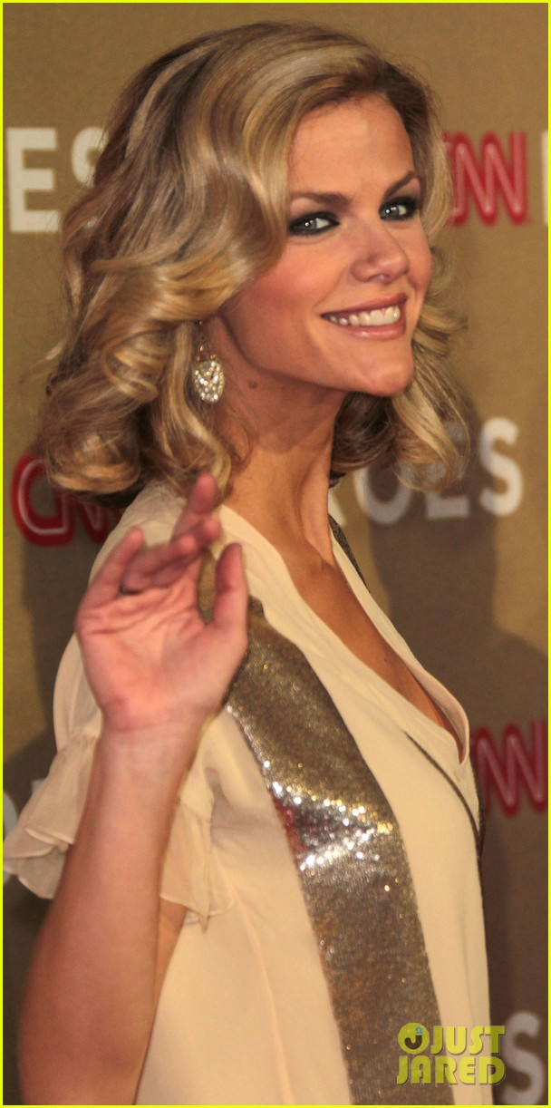 brooklyn decker sofia vergara cnn heroes 042609348