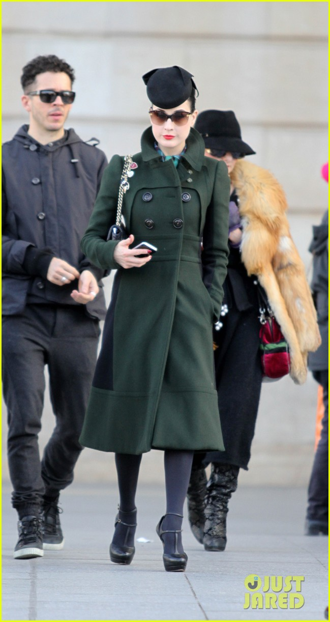 dita von teese coat paris 02