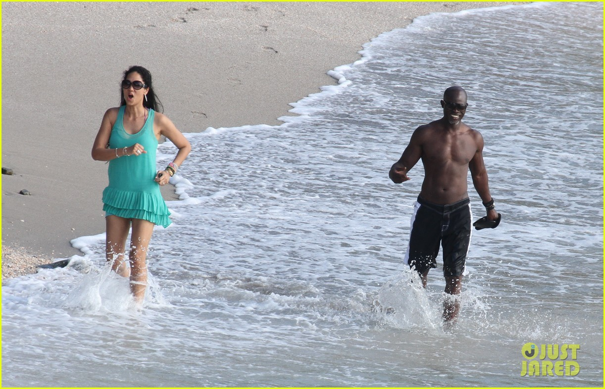 djimon hounsou shirtless 222612214