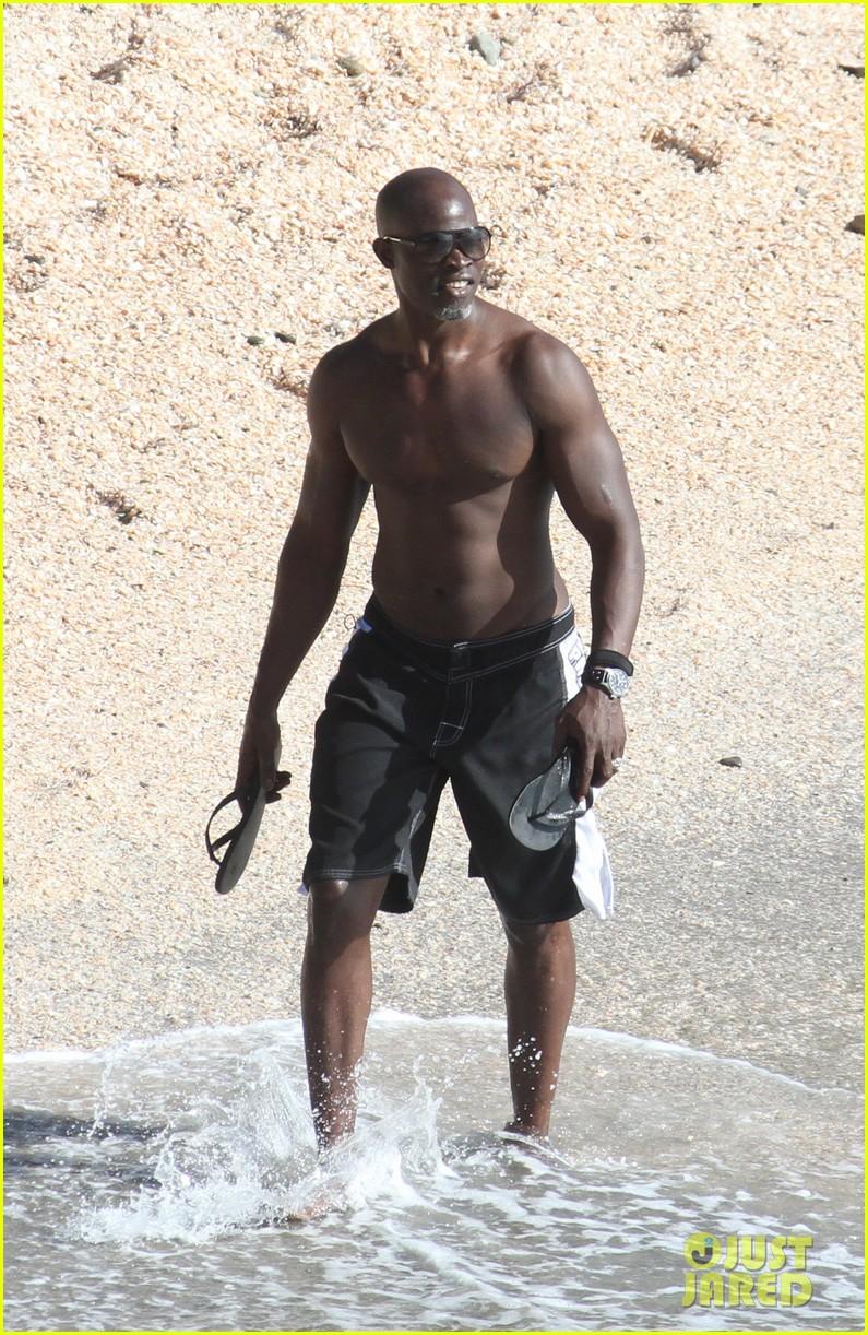 djimon hounsou shirtless 272612219