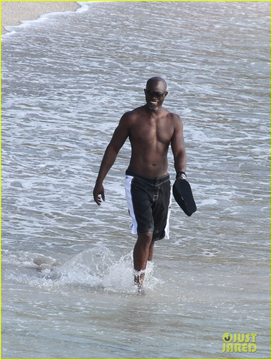 djimon hounsou shirtless 292612221